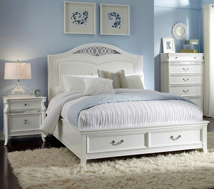 blue and white bedroom furniture photo - 2