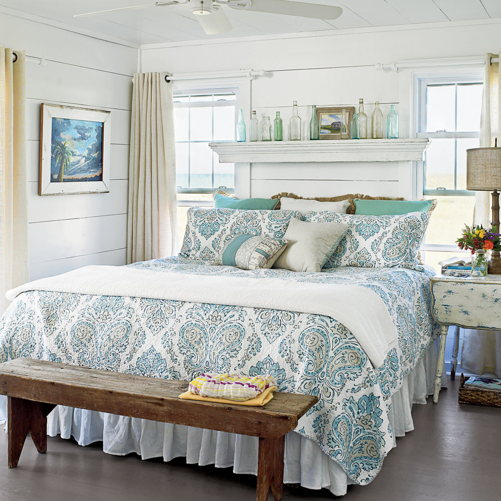 blue and white coastal bedrooms photo - 7