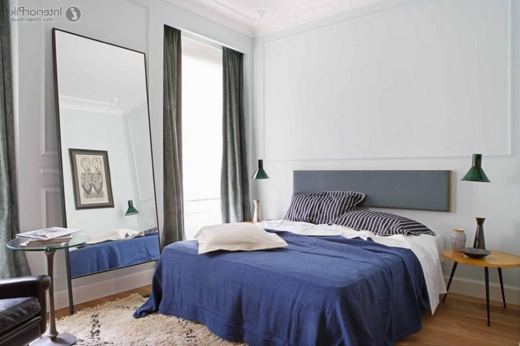 blue and white contemporary bedroom design photo - 9