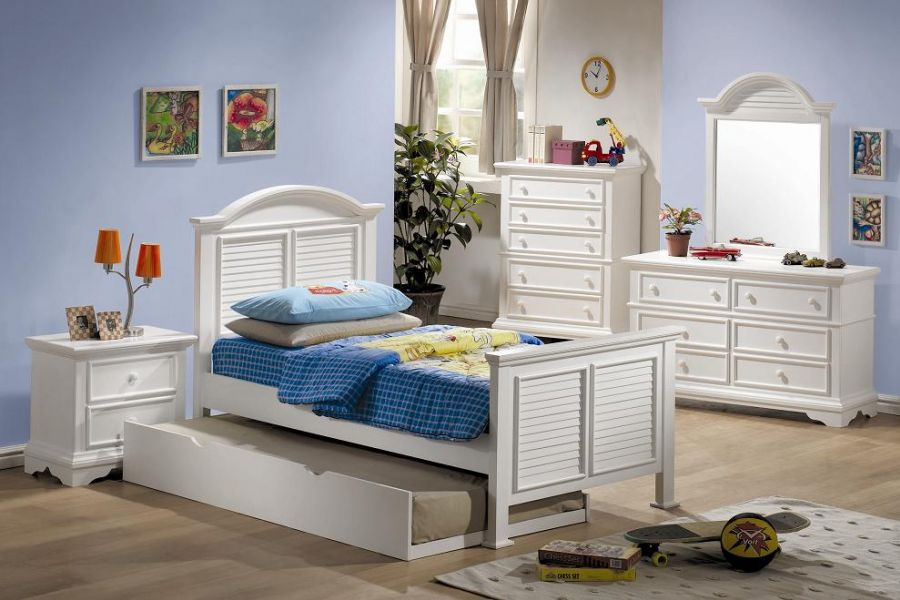 boys room with white furniture photo - 3