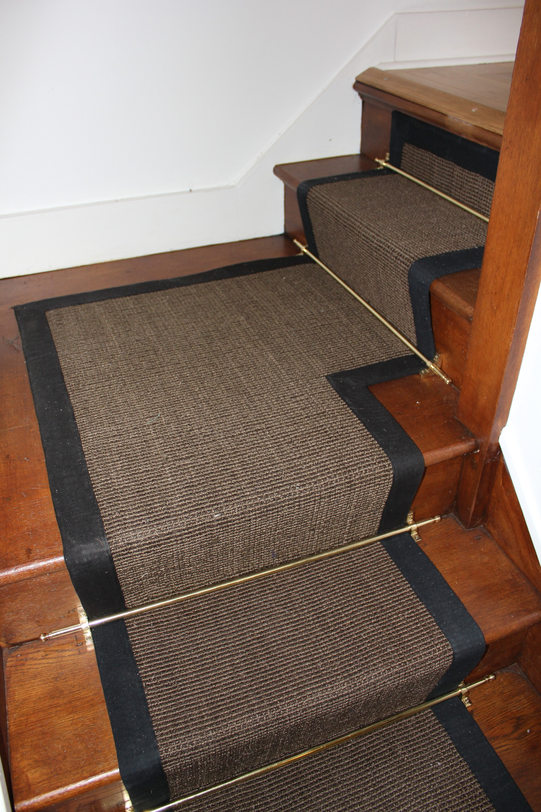 brown carpet runner for stairs photo - 3
