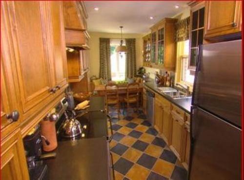 candice olson galley kitchen photo - 2