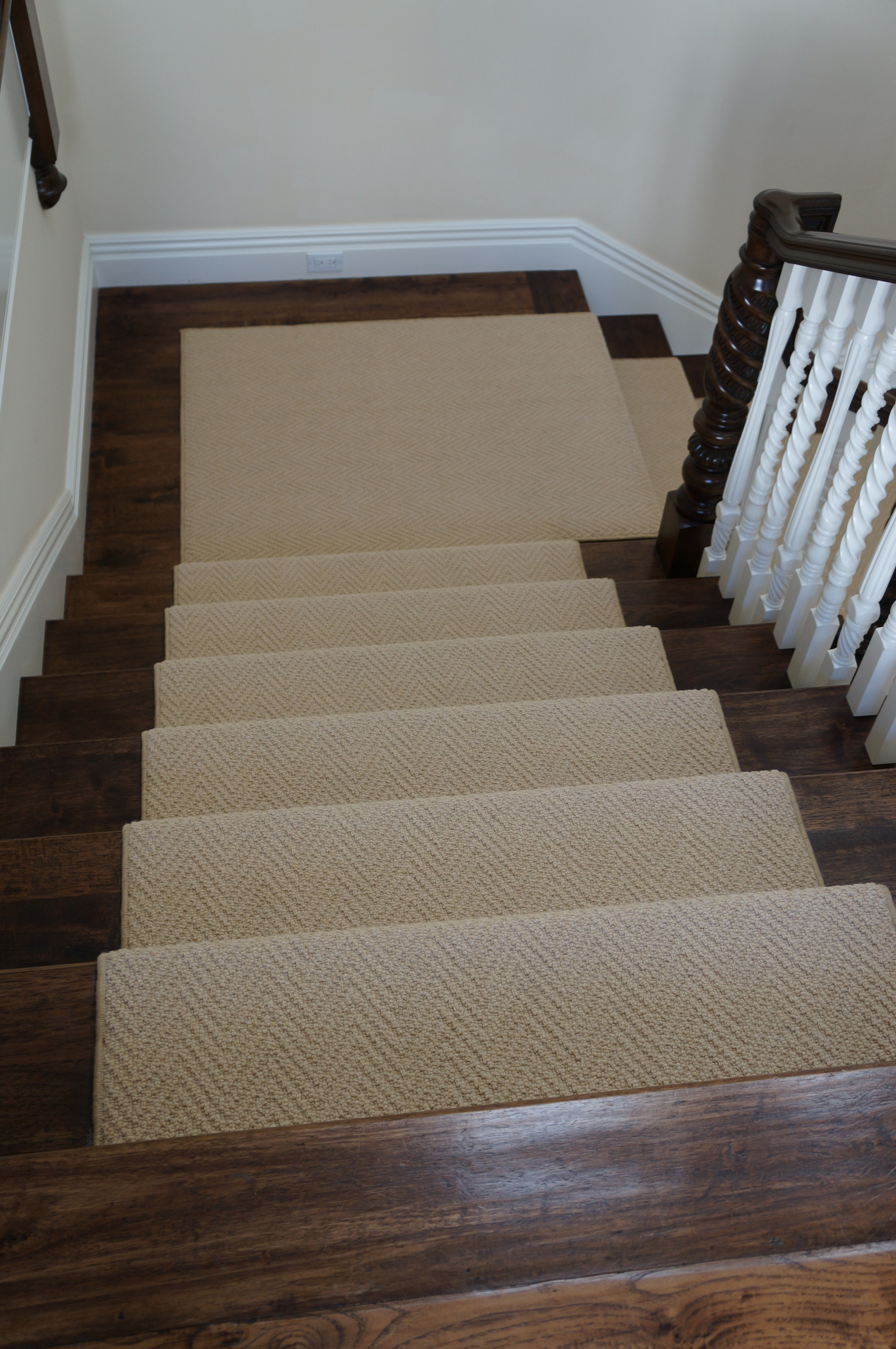 carpet runner for stairs photo - 10