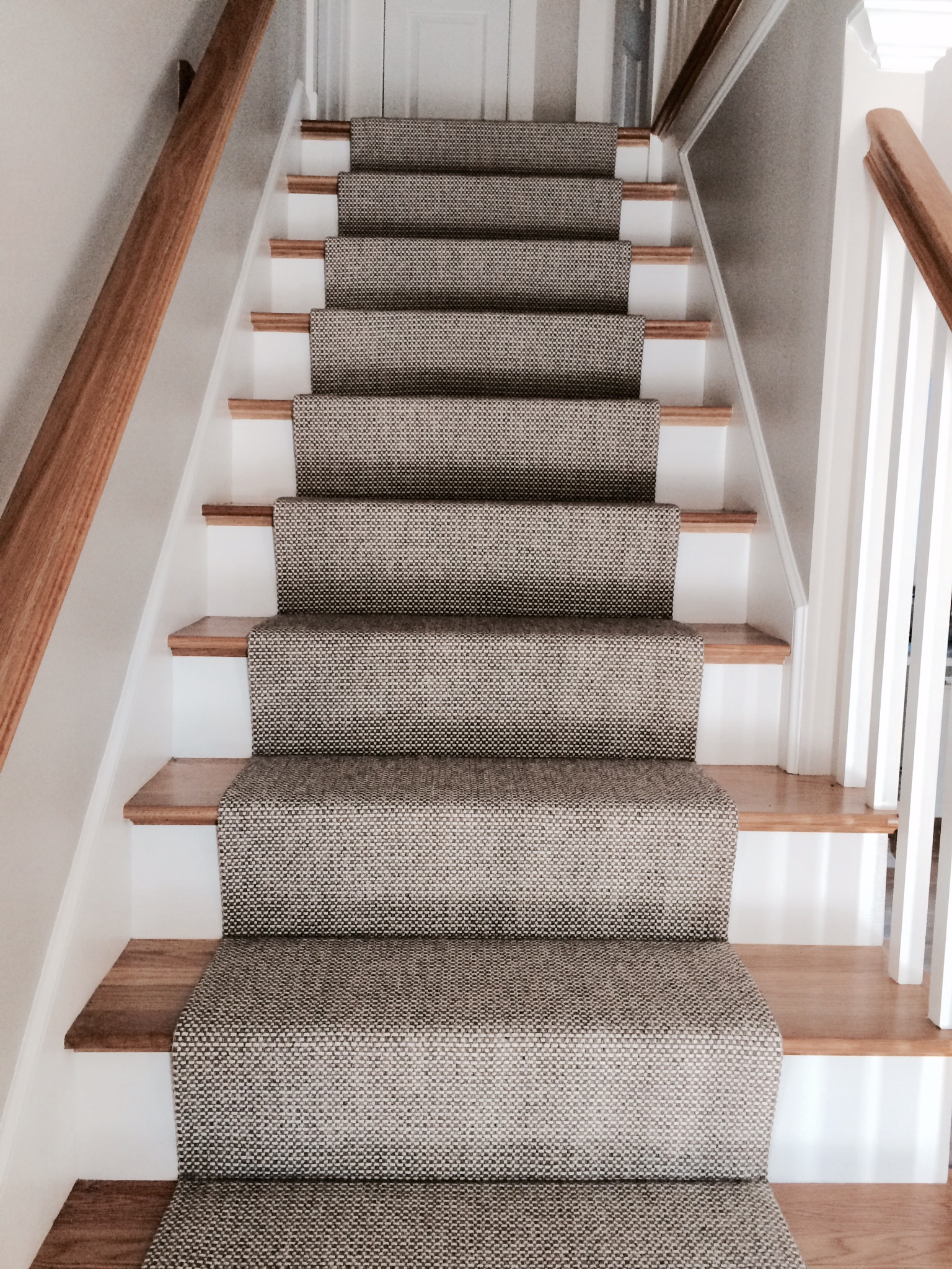 carpet runner for stairs photo - 2