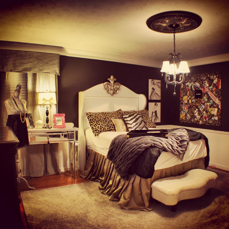 cheetah print bedroom theme photo - 1
