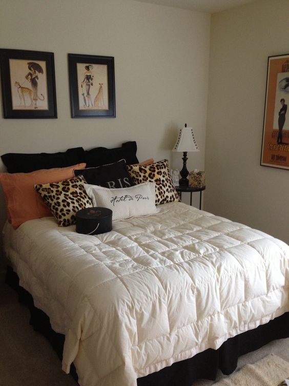 cheetah print bedroom theme photo - 7