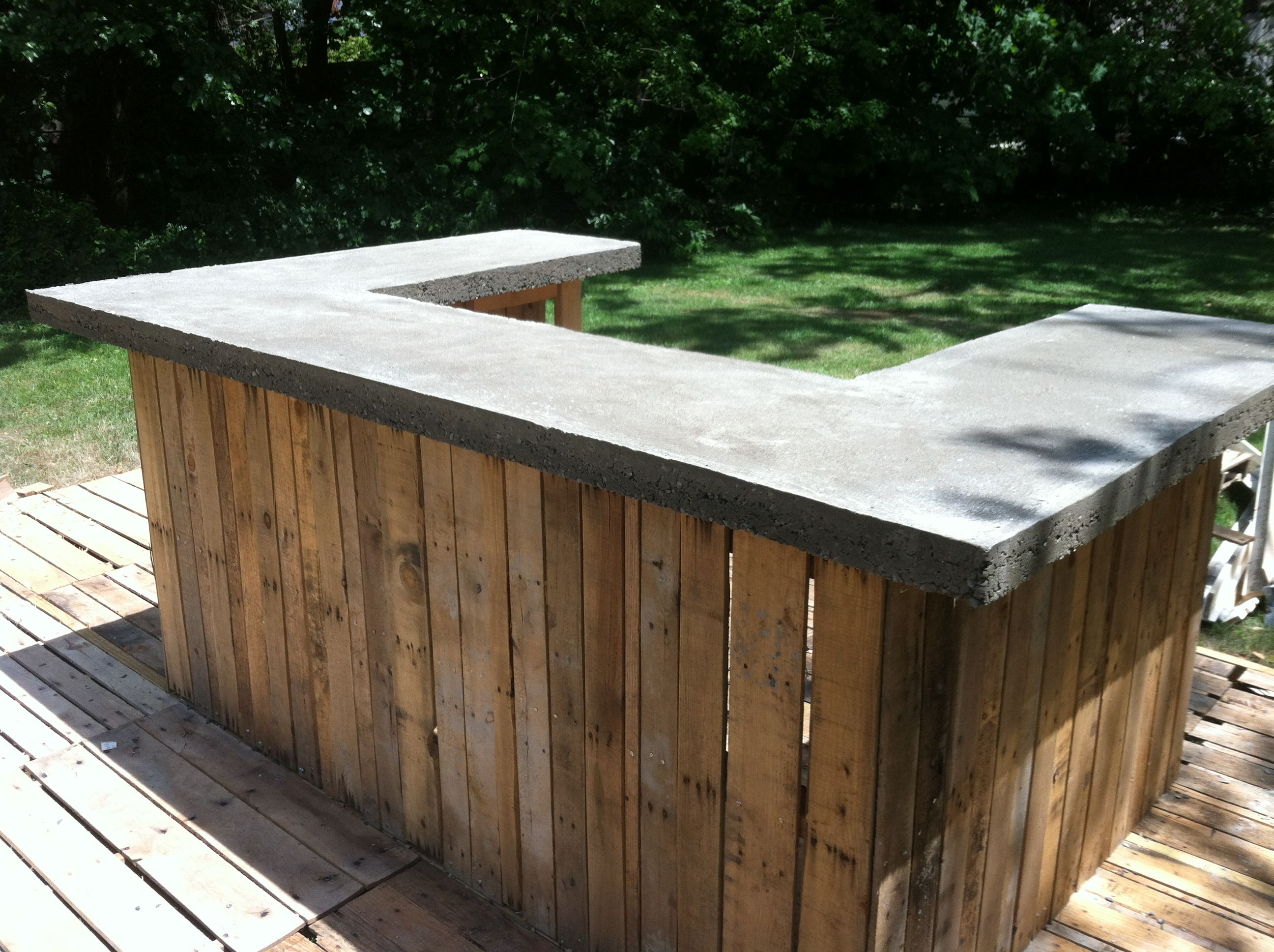 Concrete outdoor bar designs | Hawk Haven