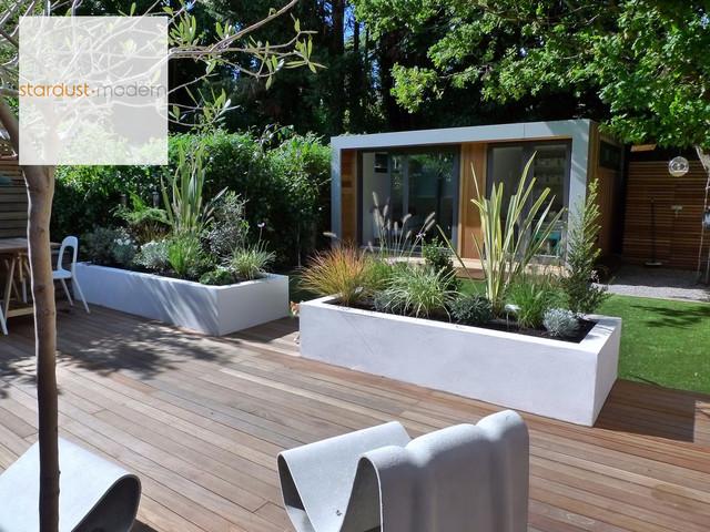 contemporary garden border ideas photo - 10