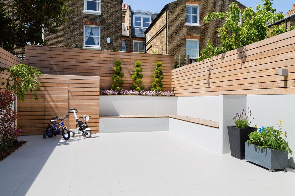 Contemporary Garden Fencing Ideas Photo   1