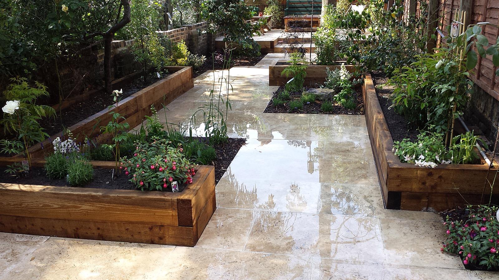 Contemporary garden patio ideas | Hawk Haven