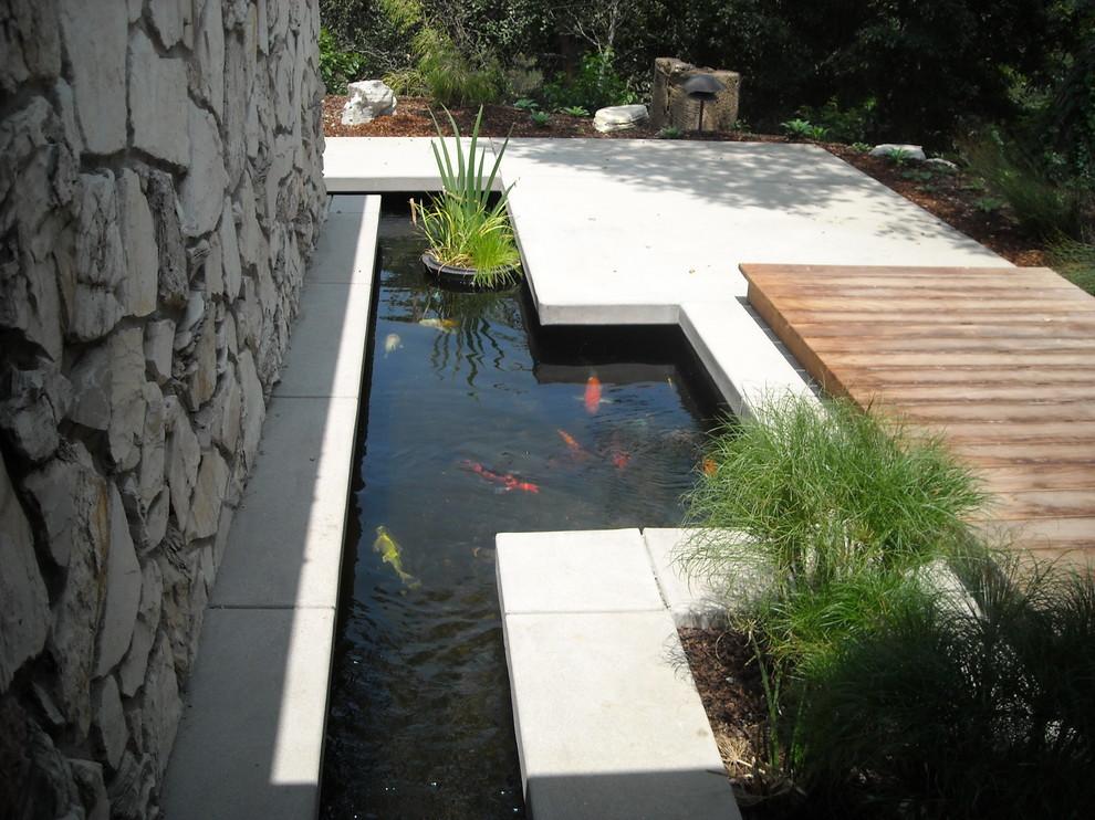 contemporary garden pond ideas photo - 1