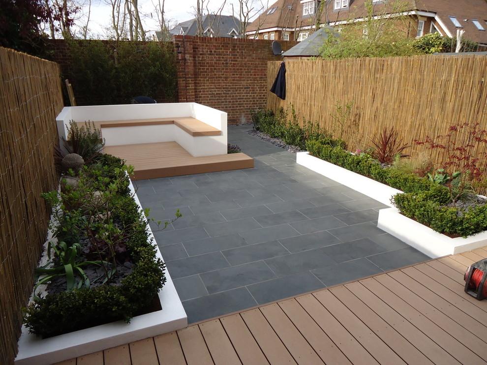 contemporary garden wall ideas photo 3 - Garden Wall Ideas