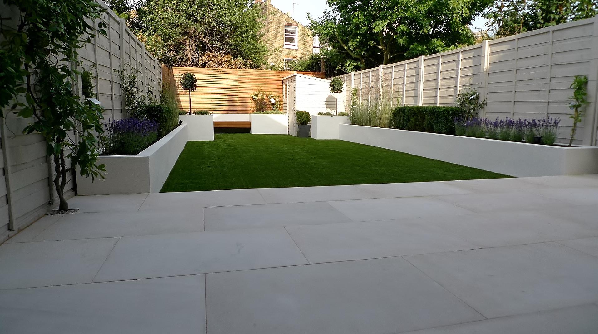 Contemporary garden wall ideas   Hawk Haven
