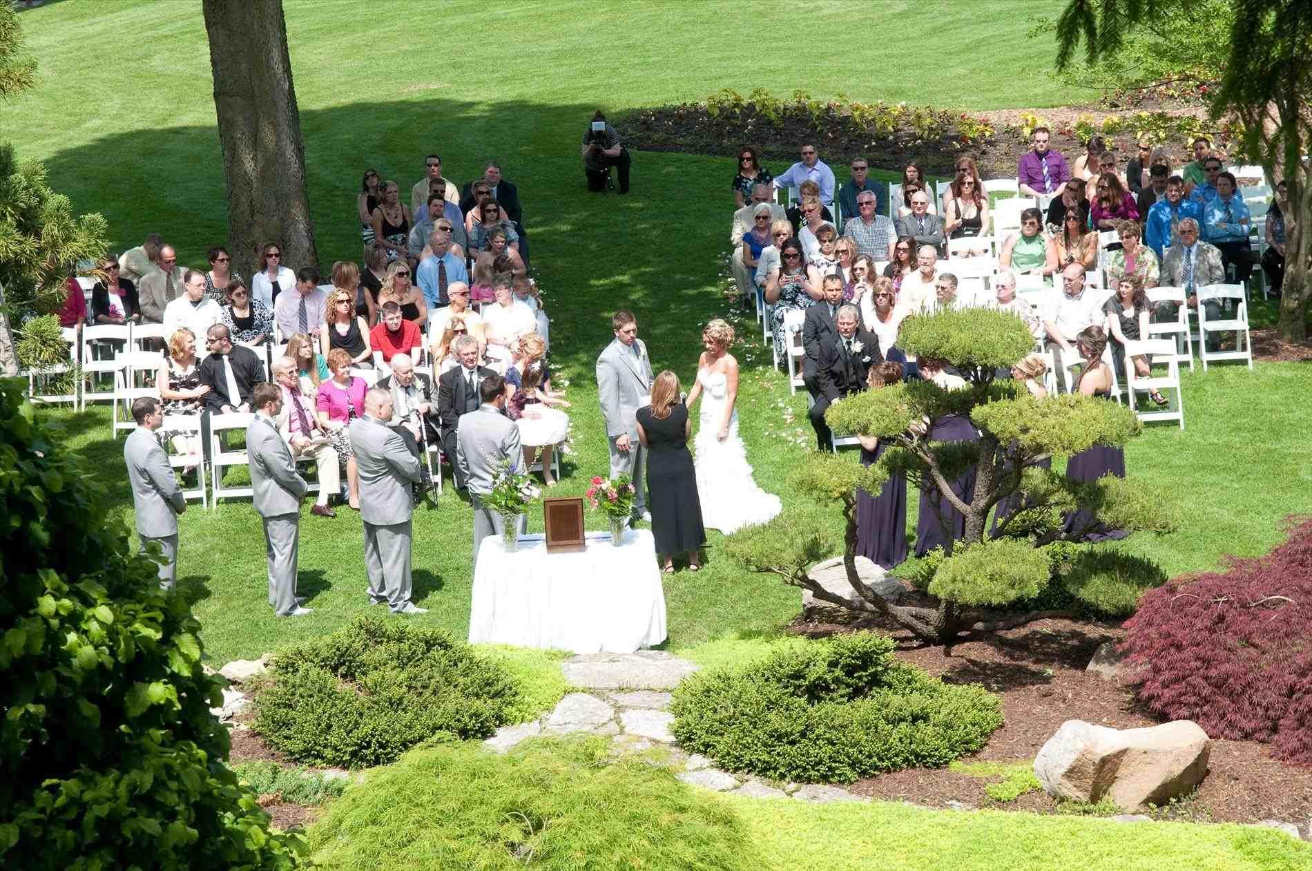 contemporary garden wedding ideas photo - 8