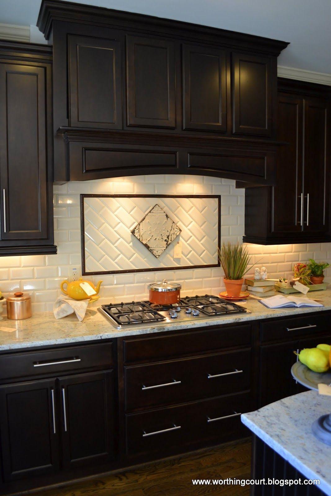 dark cabinet kitchen backsplash photo - 1