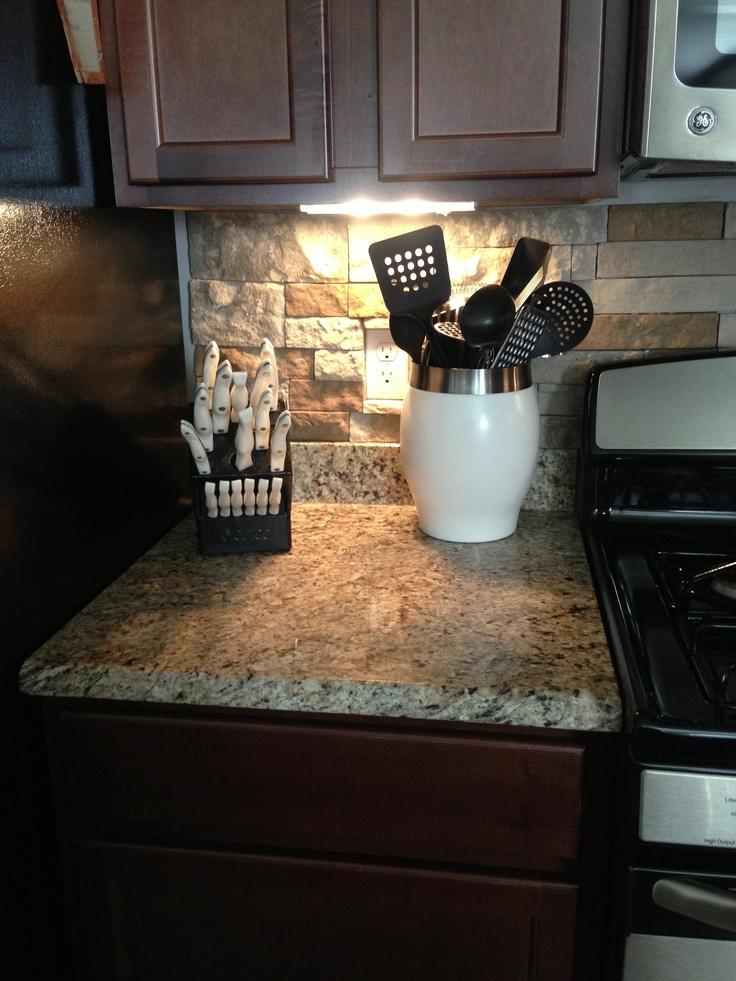 dark cabinets tile backsplash photo - 10