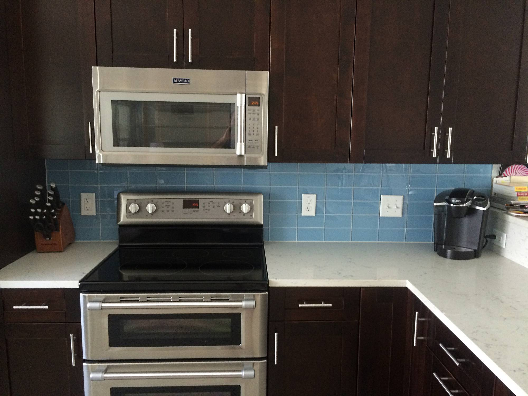 dark cabinets tile backsplash photo - 7
