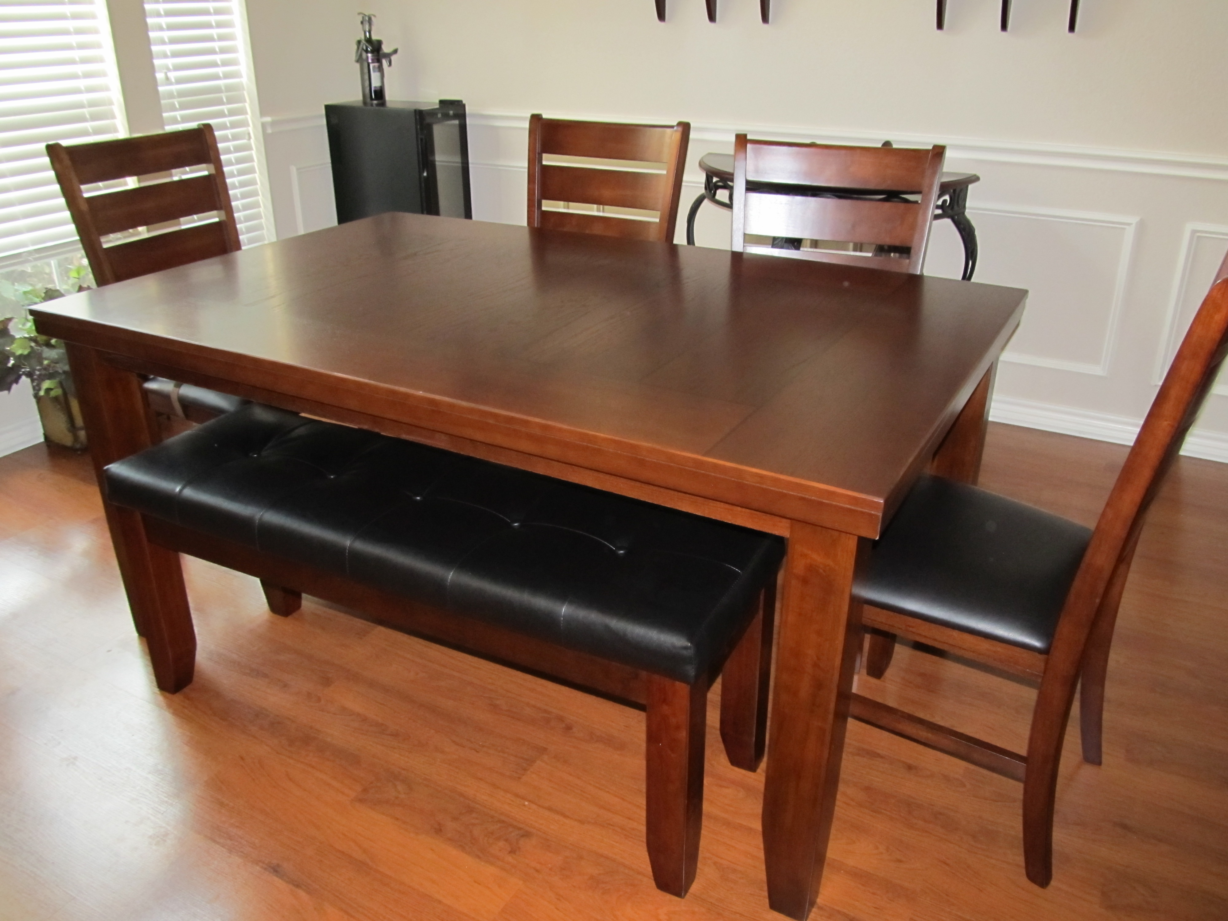Dining Tables With Bench Seats Photo   10