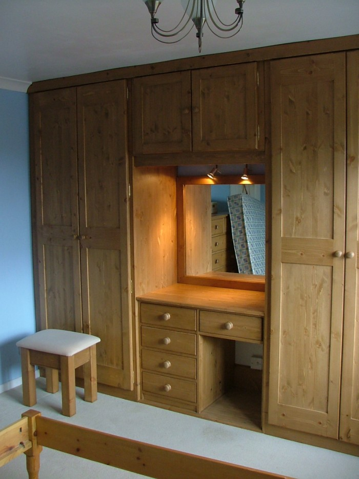 dressing room cupboard designs photo - 8