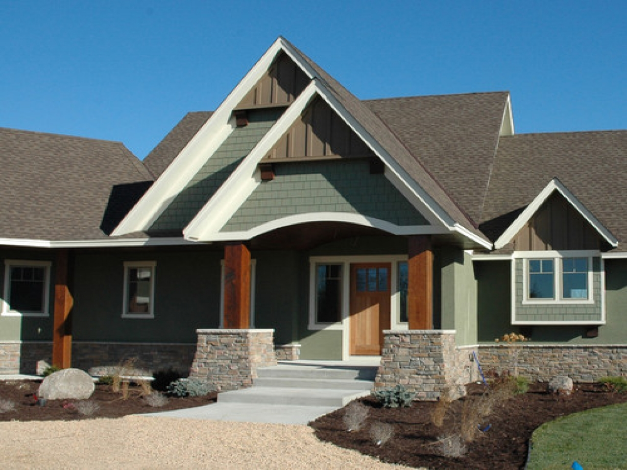 exterior paint colors brown roof photo - 7
