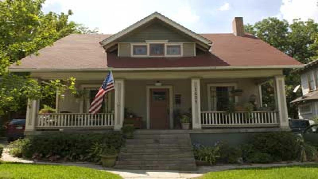 exterior paint colors bungalow photo - 8