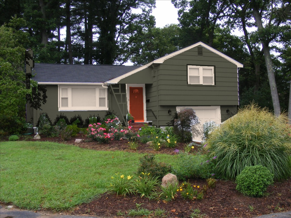 Exterior Paint Colors With Green Roof Hawk Haven