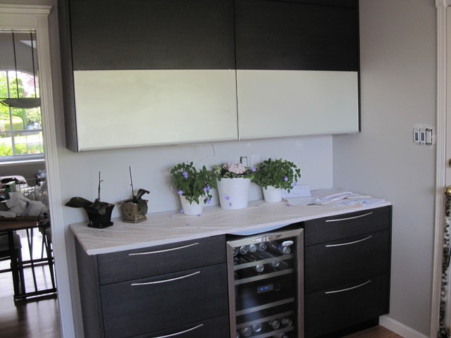 flat black kitchen cabinets photo - 10