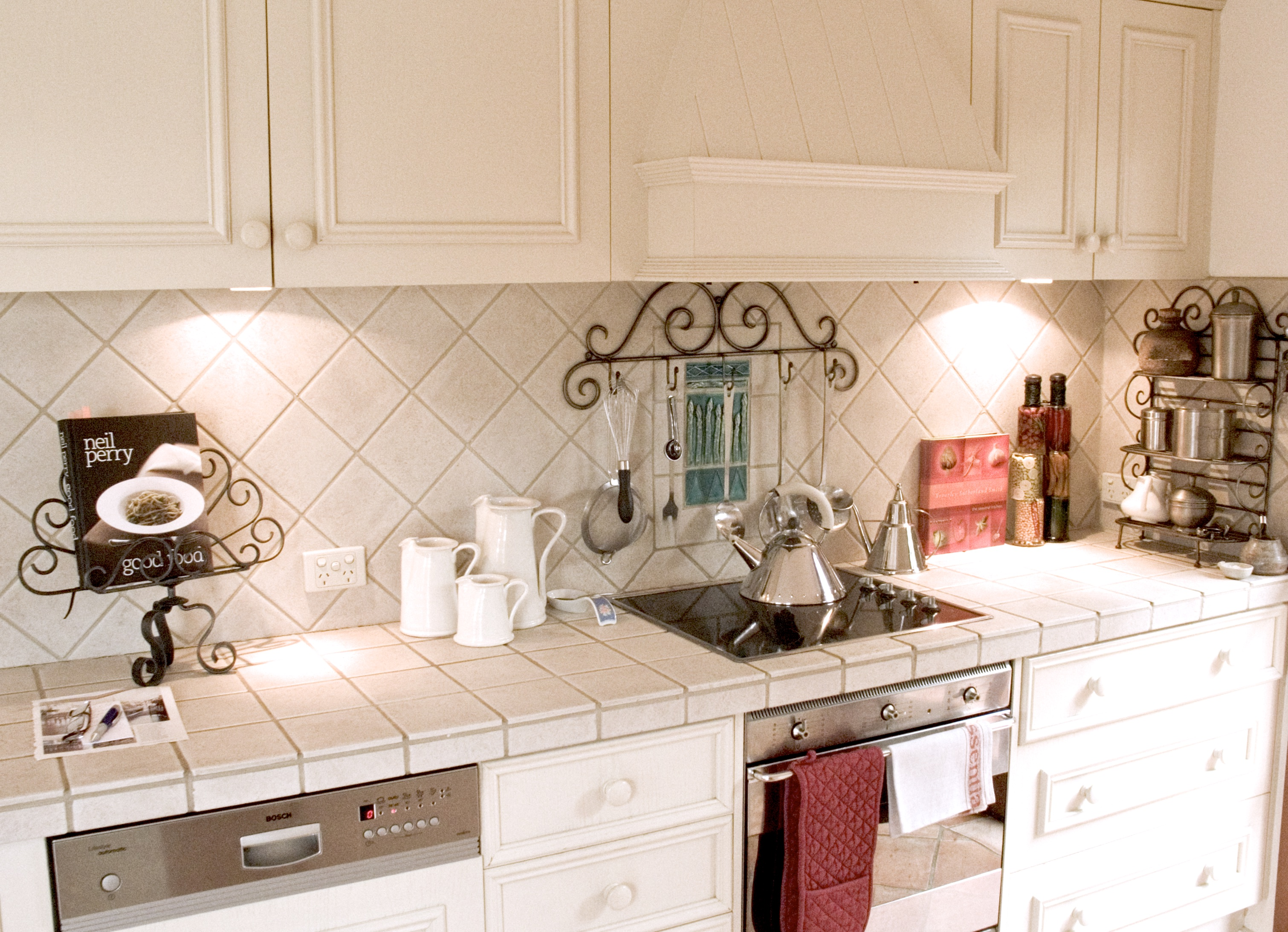french country kitchen wall tiles photo - 8