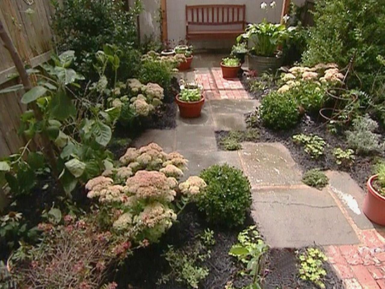 garden design ideas for small backyards photo - 2