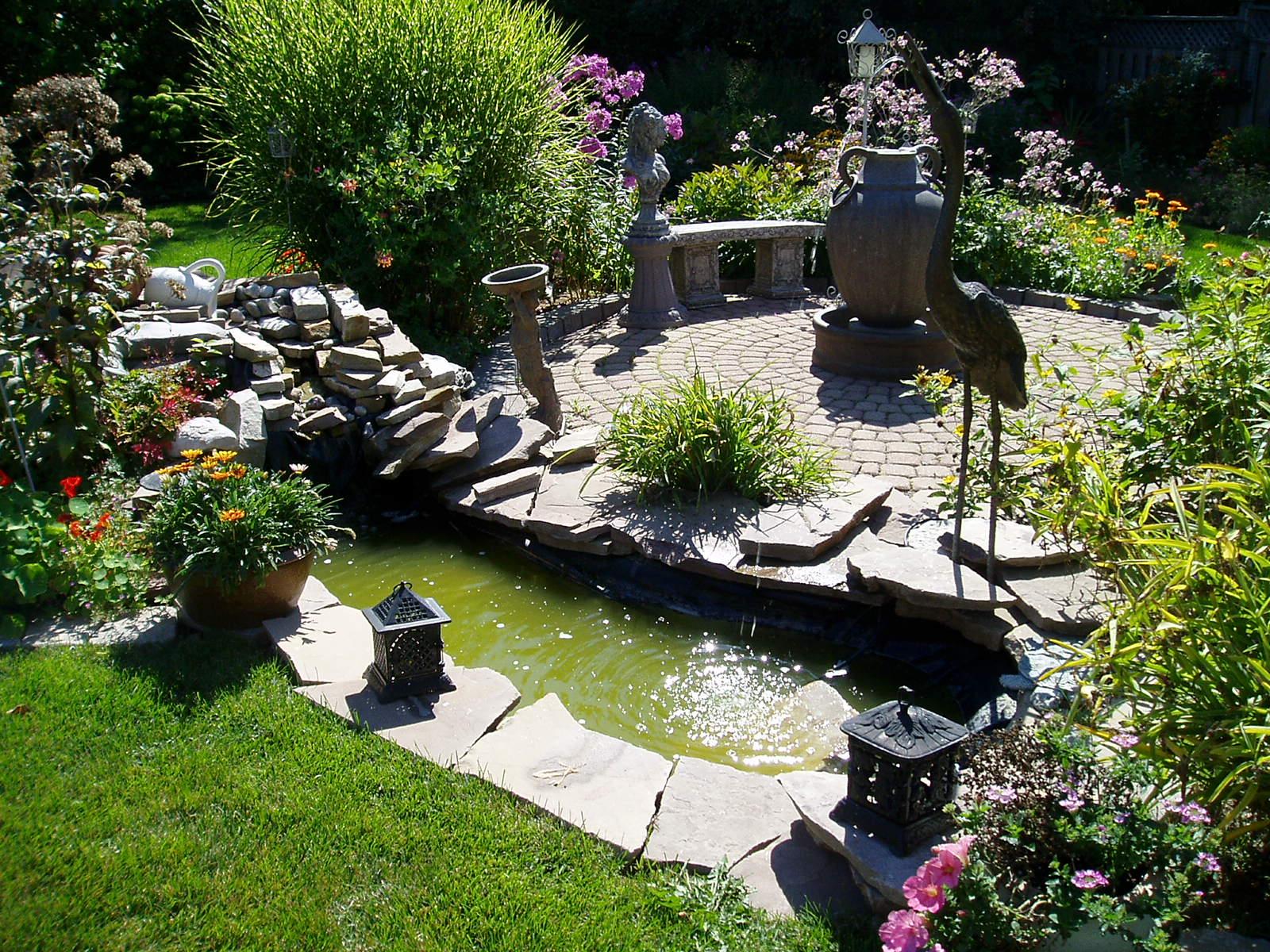 garden design ideas for small backyards photo - 4