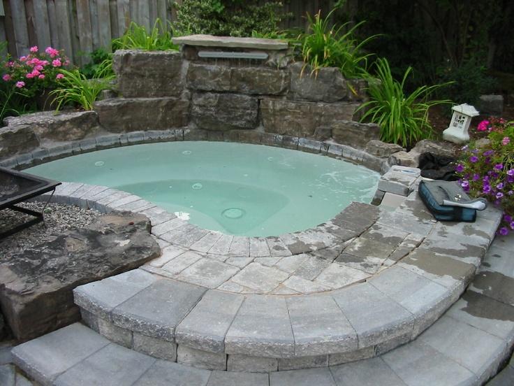 garden design ideas hot tubs photo - 2