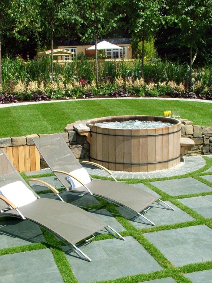 garden design ideas hot tubs photo - 3