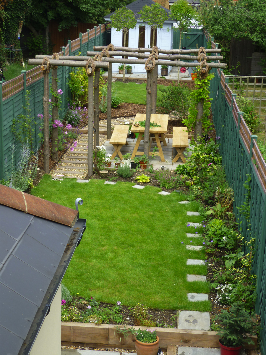 garden design ideas long thin photo - 1