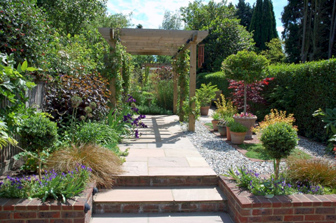 garden design ideas long thin photo - 2