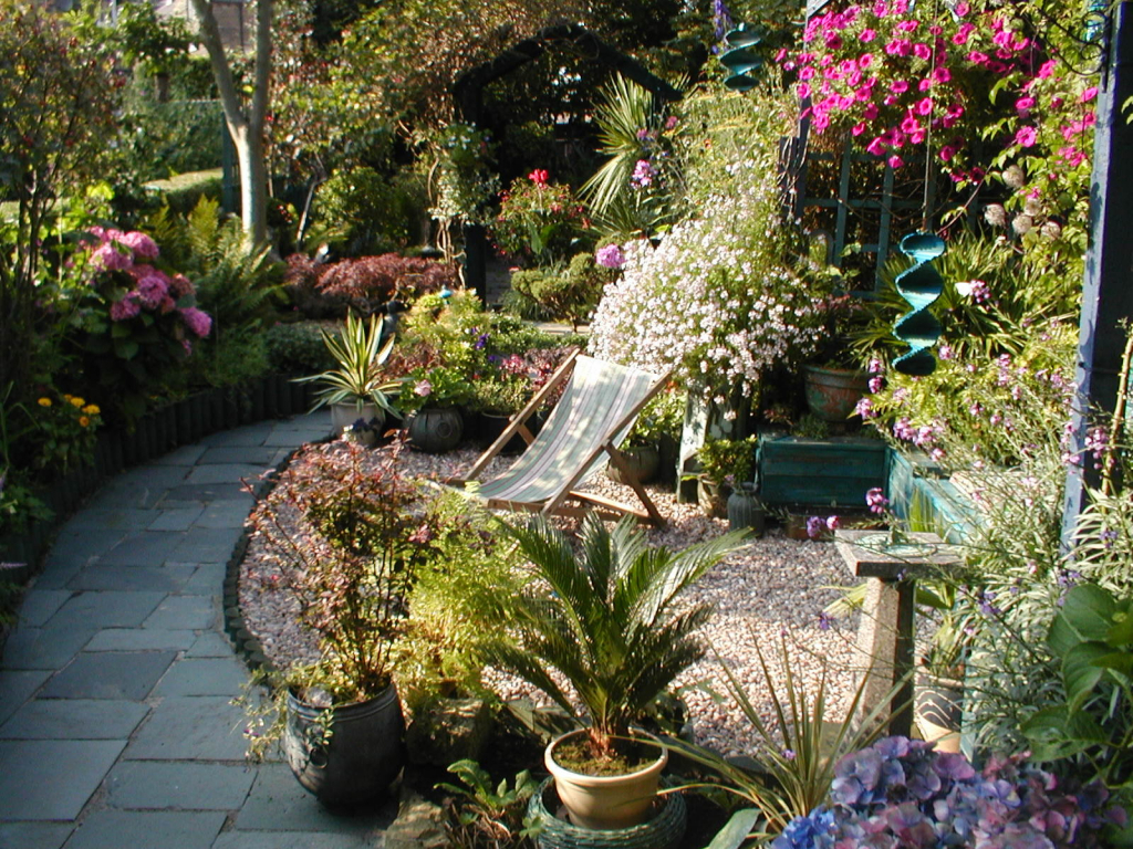 garden design ideas long thin photo - 9