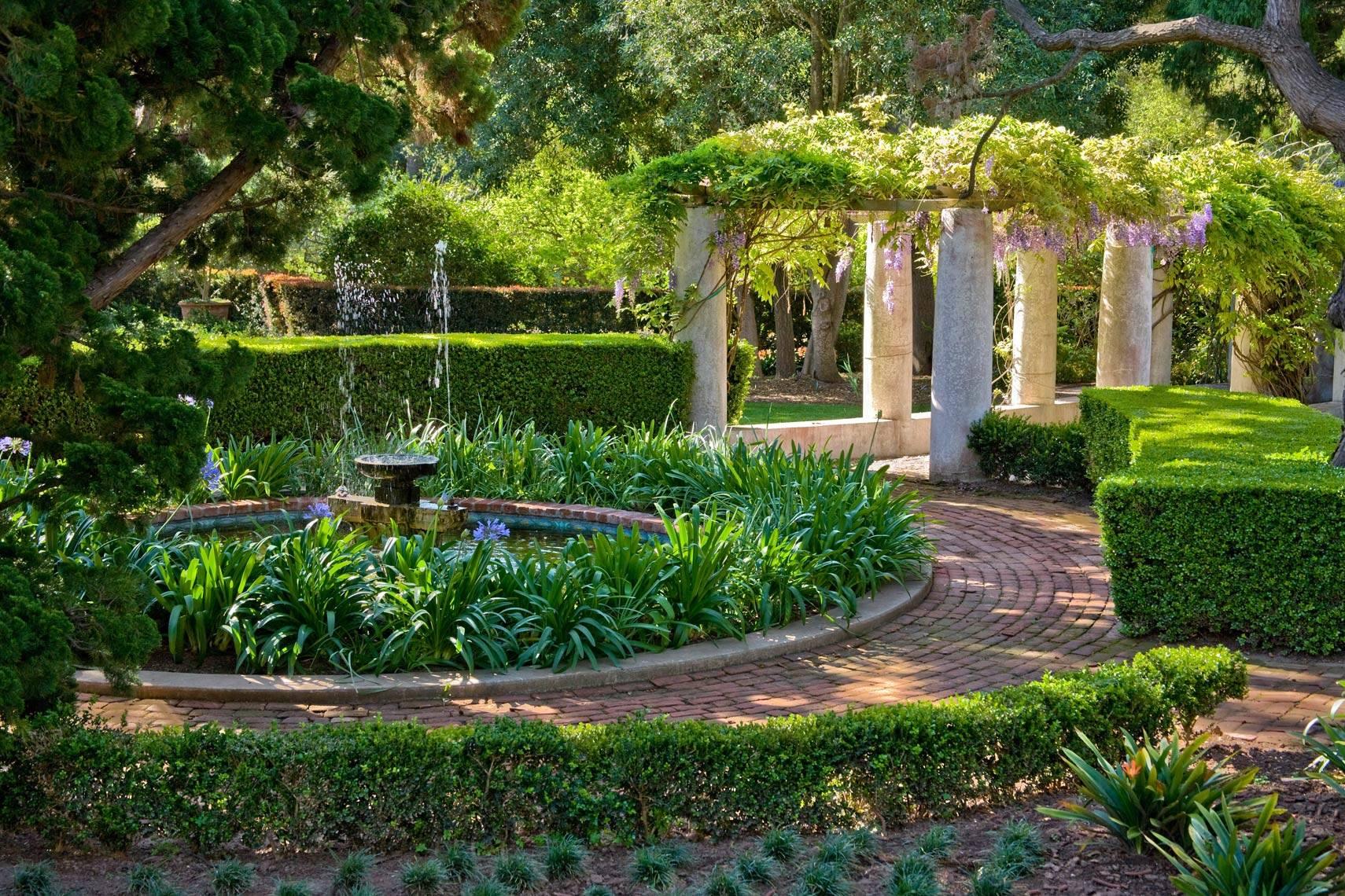 garden design ideas mediterranean photo - 1