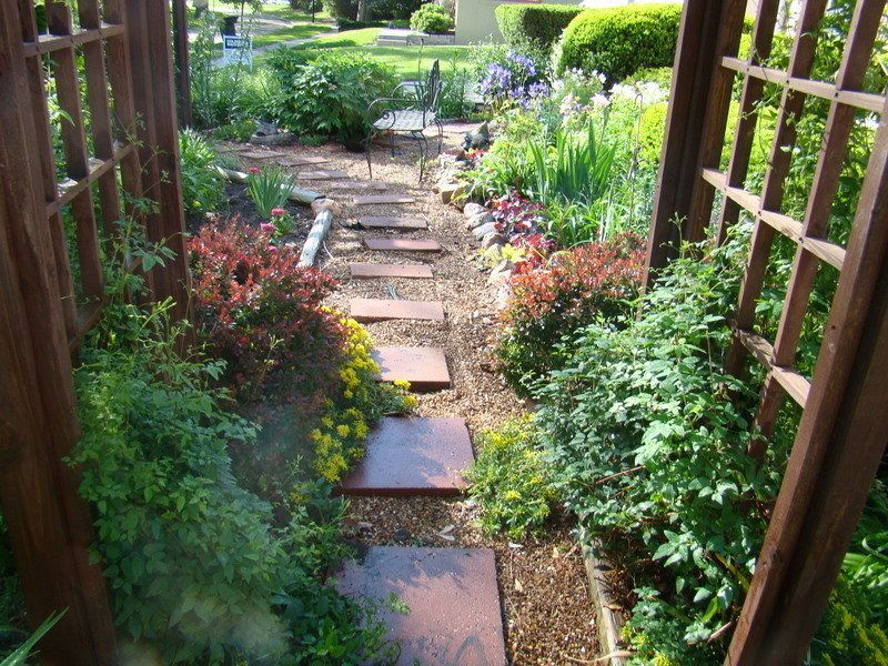 garden design ideas no grass photo - 1