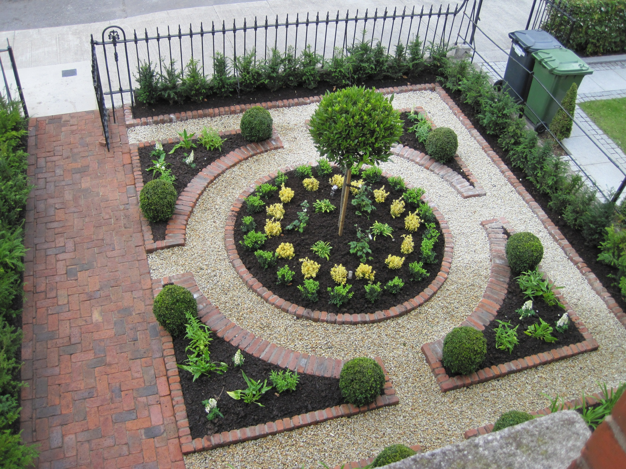 garden design ideas no grass photo - 2