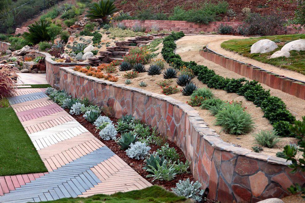 garden design ideas on a slope photo - 2