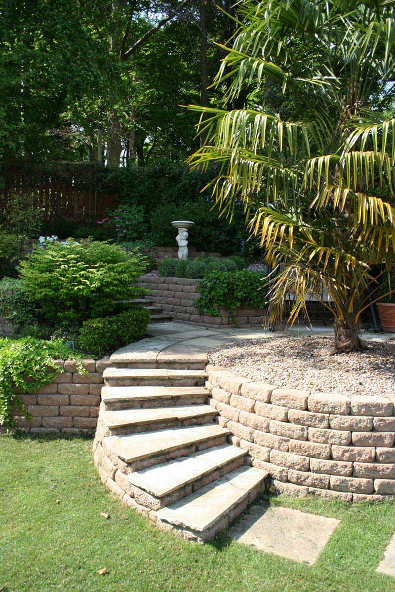 garden design ideas on a slope photo - 6