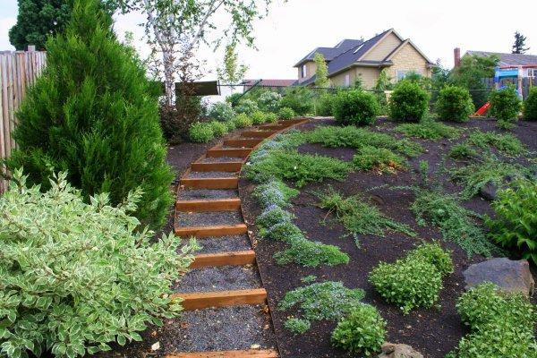 garden design ideas on a slope photo - 8