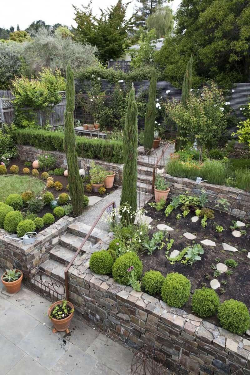garden design ideas on a slope photo - 9