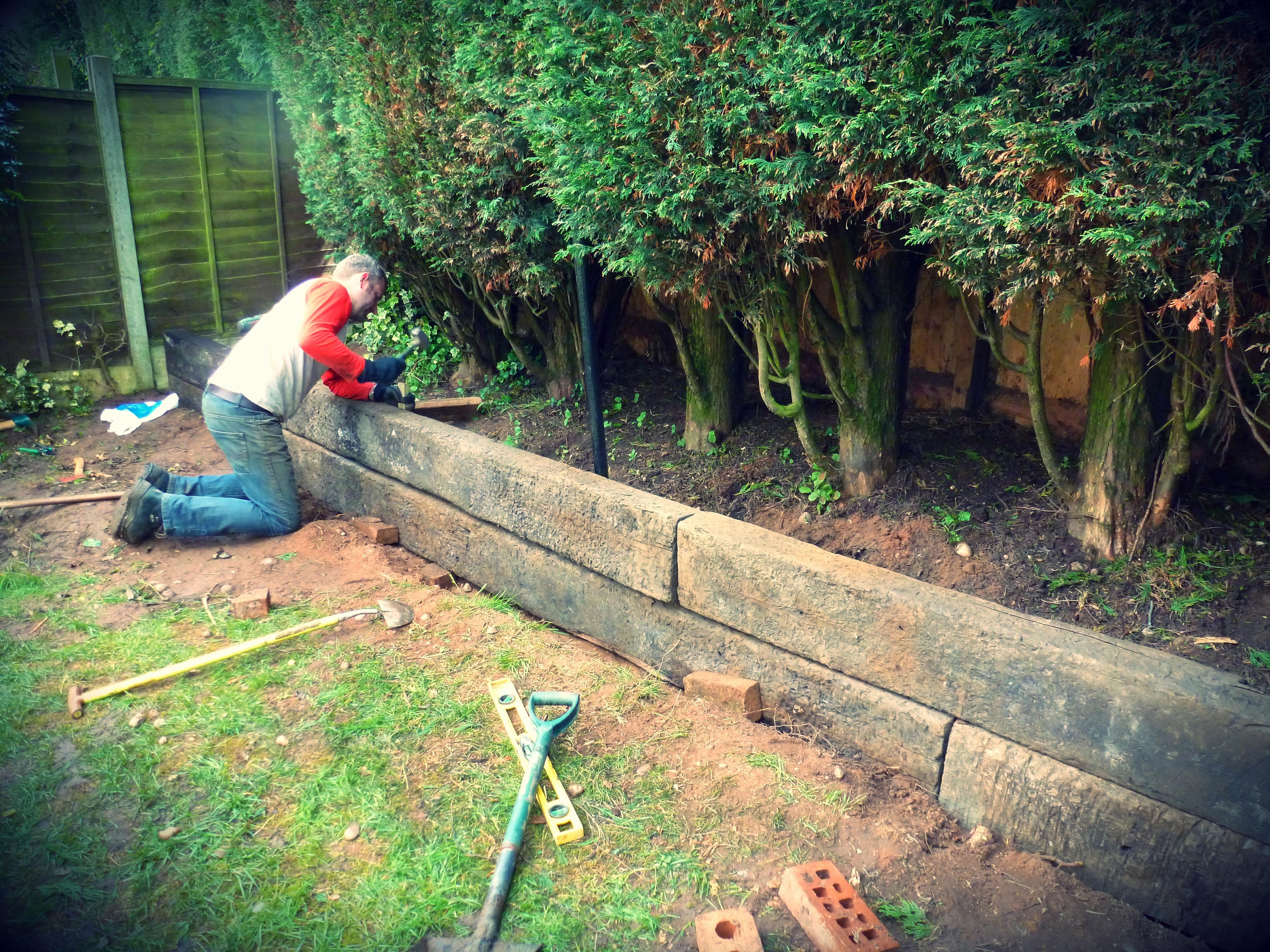 garden design ideas railway sleepers photo - 4