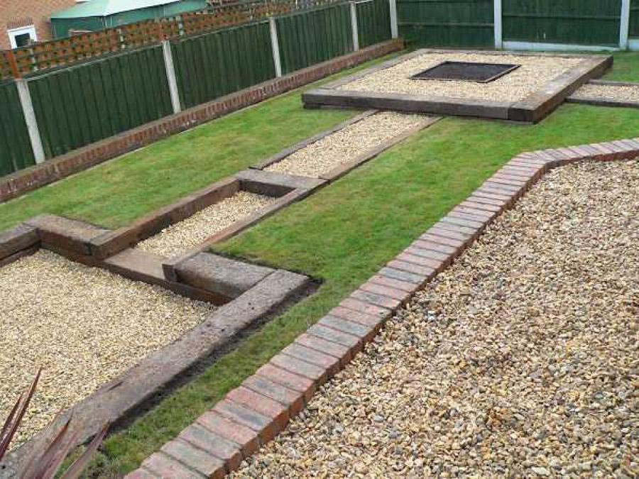 garden design ideas railway sleepers photo - 9