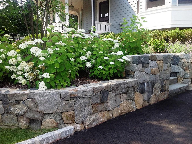 garden design ideas retaining walls photo - 10