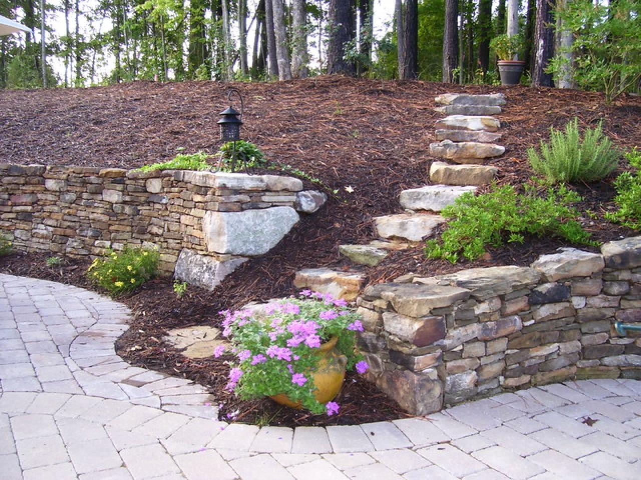 garden design ideas retaining walls photo - 2