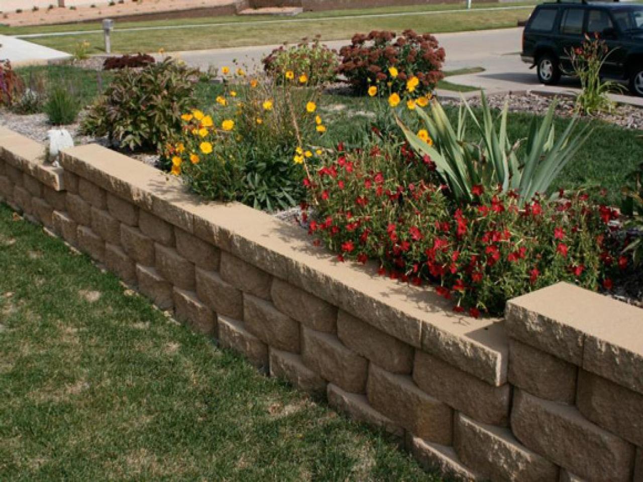 garden design ideas retaining walls photo - 9
