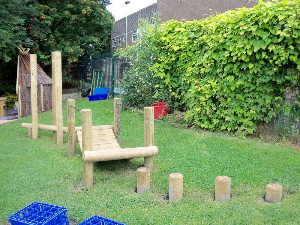 garden design ideas with childrenメs play area photo - 6