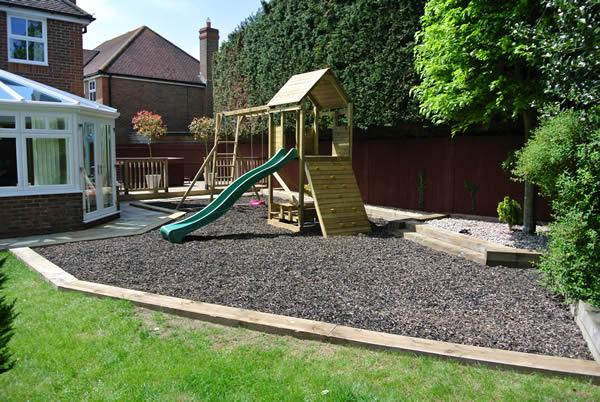 garden design ideas with childrenメs play area photo - 7