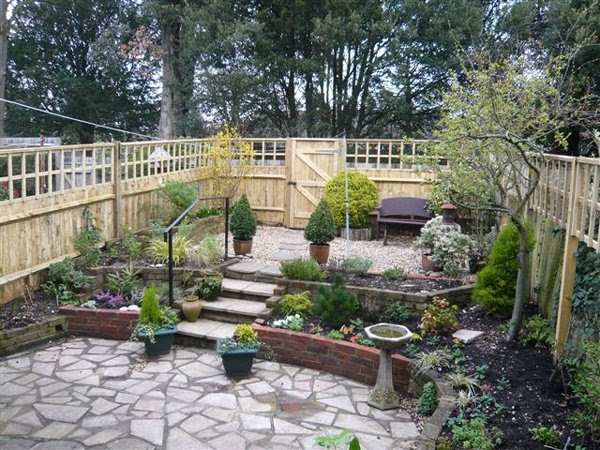 garden fencing ideas for dogs photo - 8